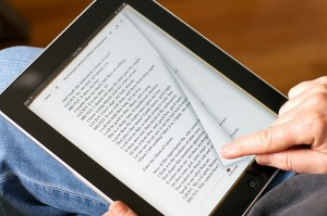 reading-ebook-ipad